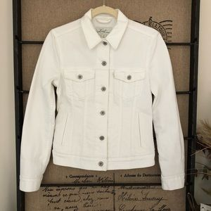 Levi's white denim trucker jacket Women's Small